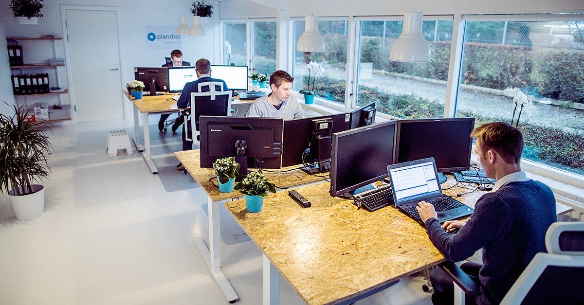 Plandisc---office-setting---digitalt-aarshjul-til-effektiv-planlaegning-af-aaret.
